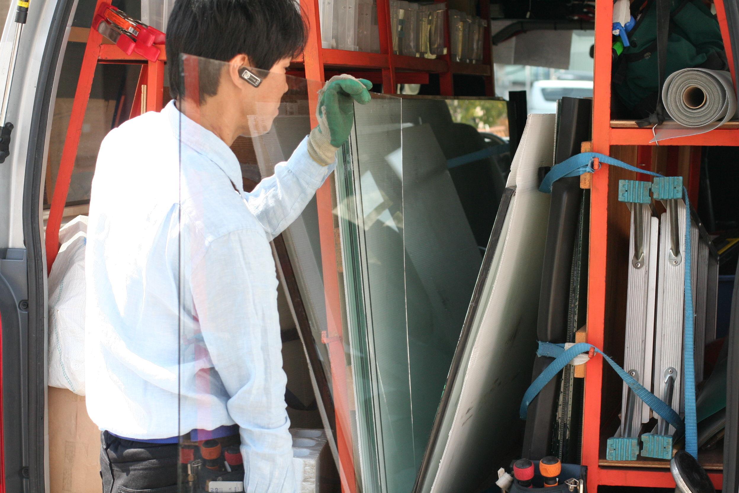 ガラスのトラブル救急車【久喜市 出張エリア】の店内・外観画像3
