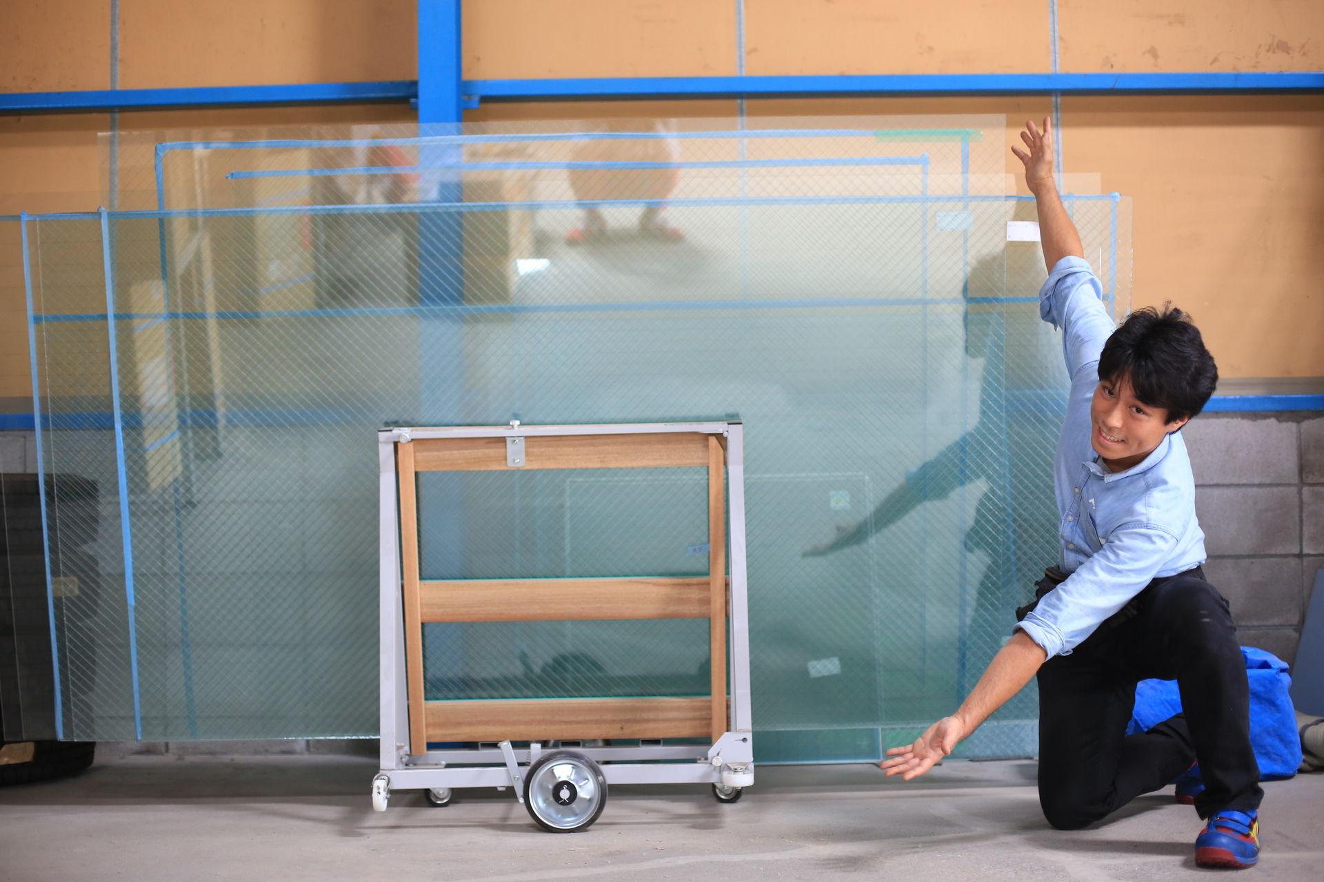 ガラスのトラブル救急車【大阪市鶴見区 出張エリア】のメイン画像